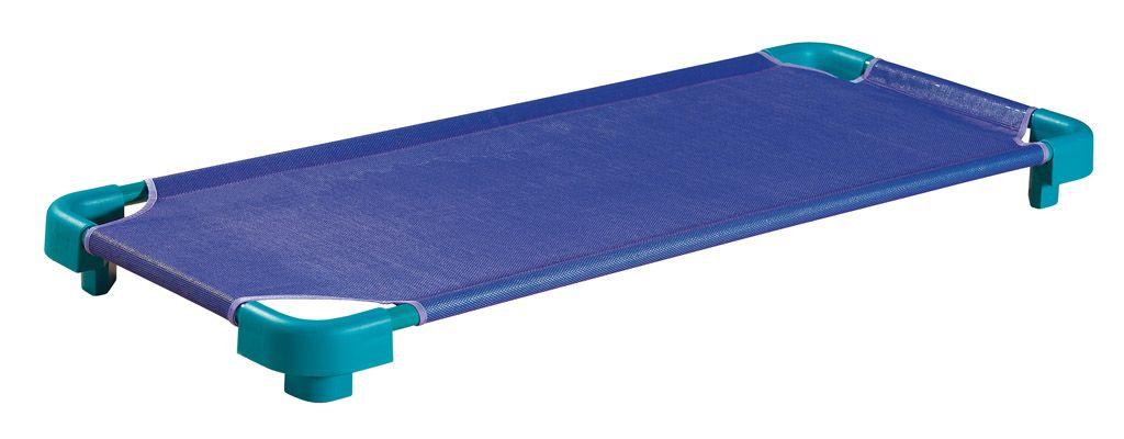 Stapelbares Bett aus Kunststoff und Metall